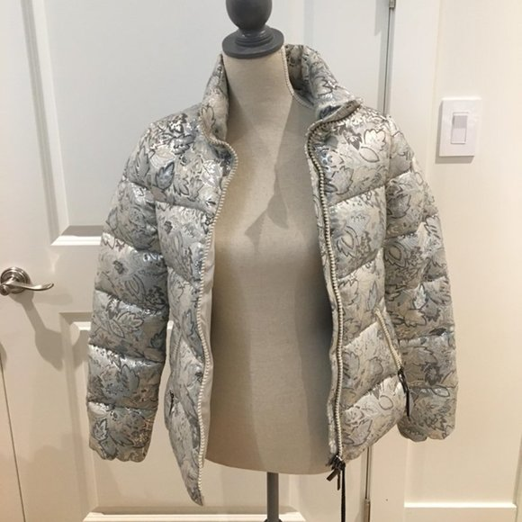 "BNWT Moncler ""Sariette"" embroidered puffer jacket"